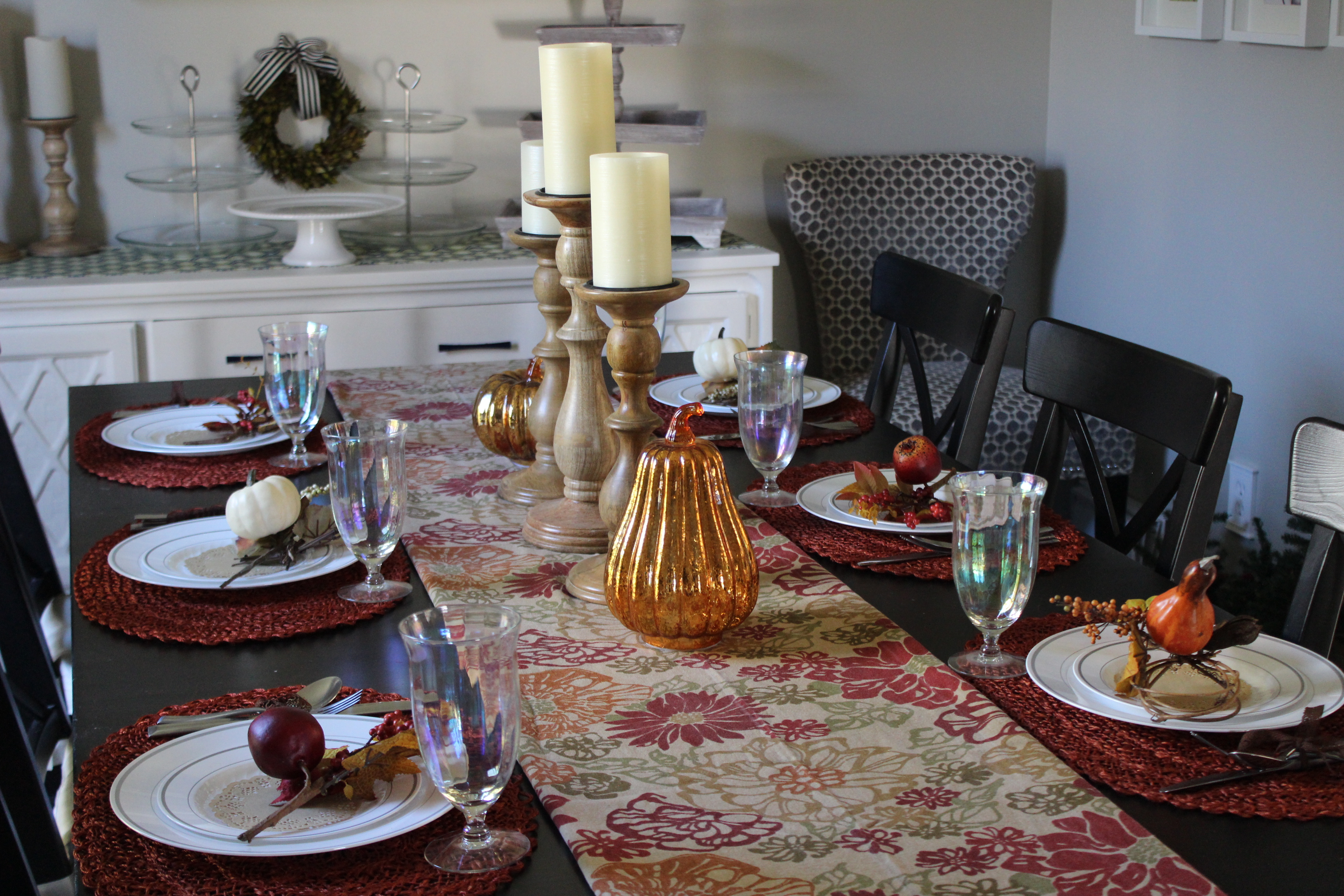 Fall colors are a given for your Thanksgiving table decor