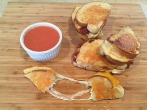Ooey-Gooey Grilled Cheese Recipe – Mealtime Monday
